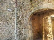 la porte de la calle pour descendre sur la Garonne